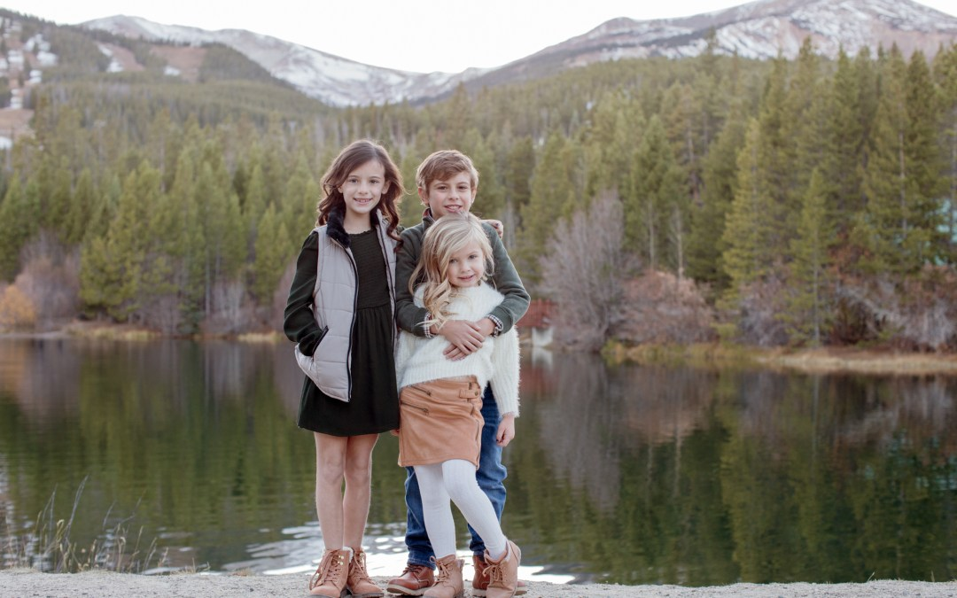 How to keep the kids happy during a family outdoor portrait session