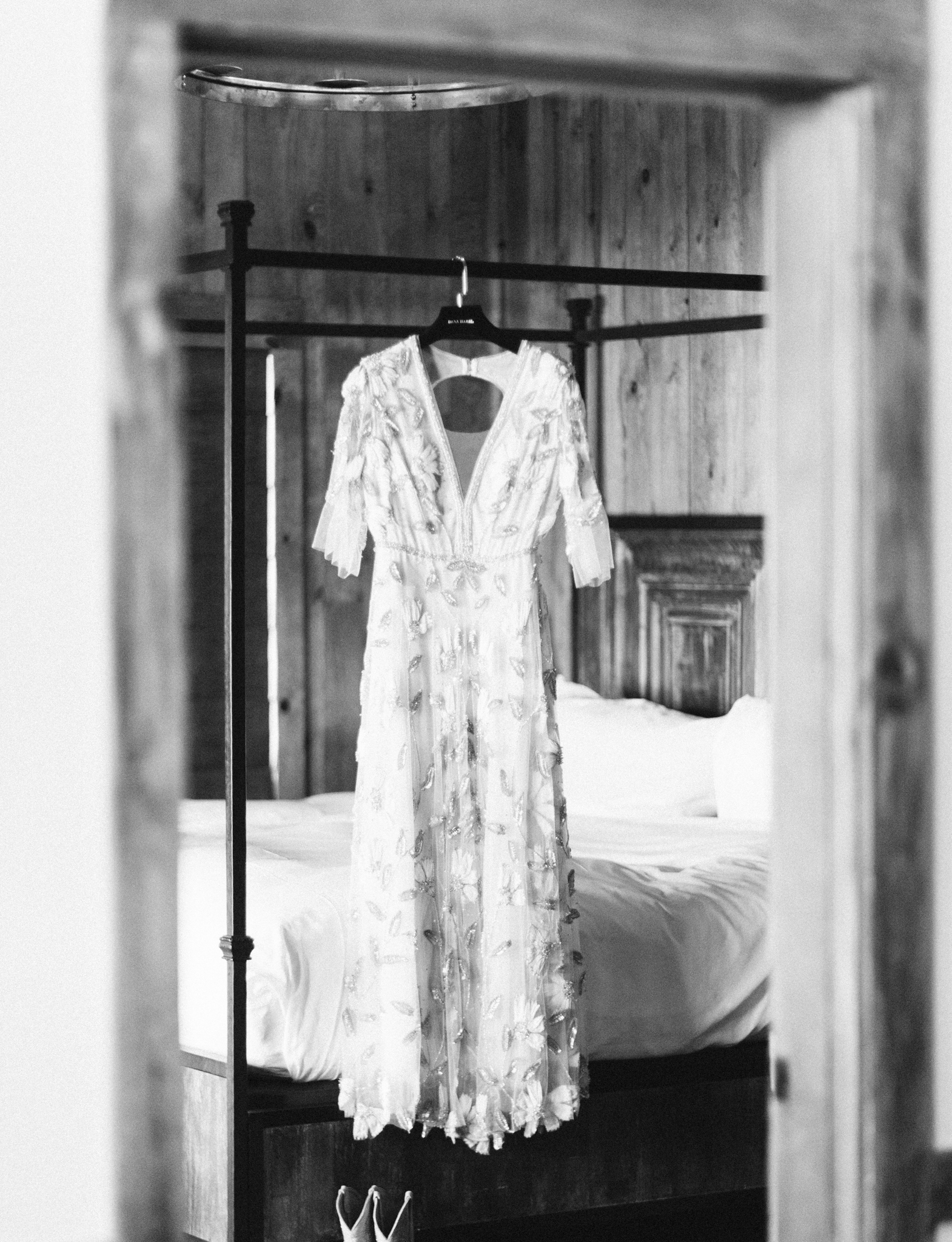 Devils-Thumb-Ranch-Tabernash-Colorado-Winter-Wedding-Dress