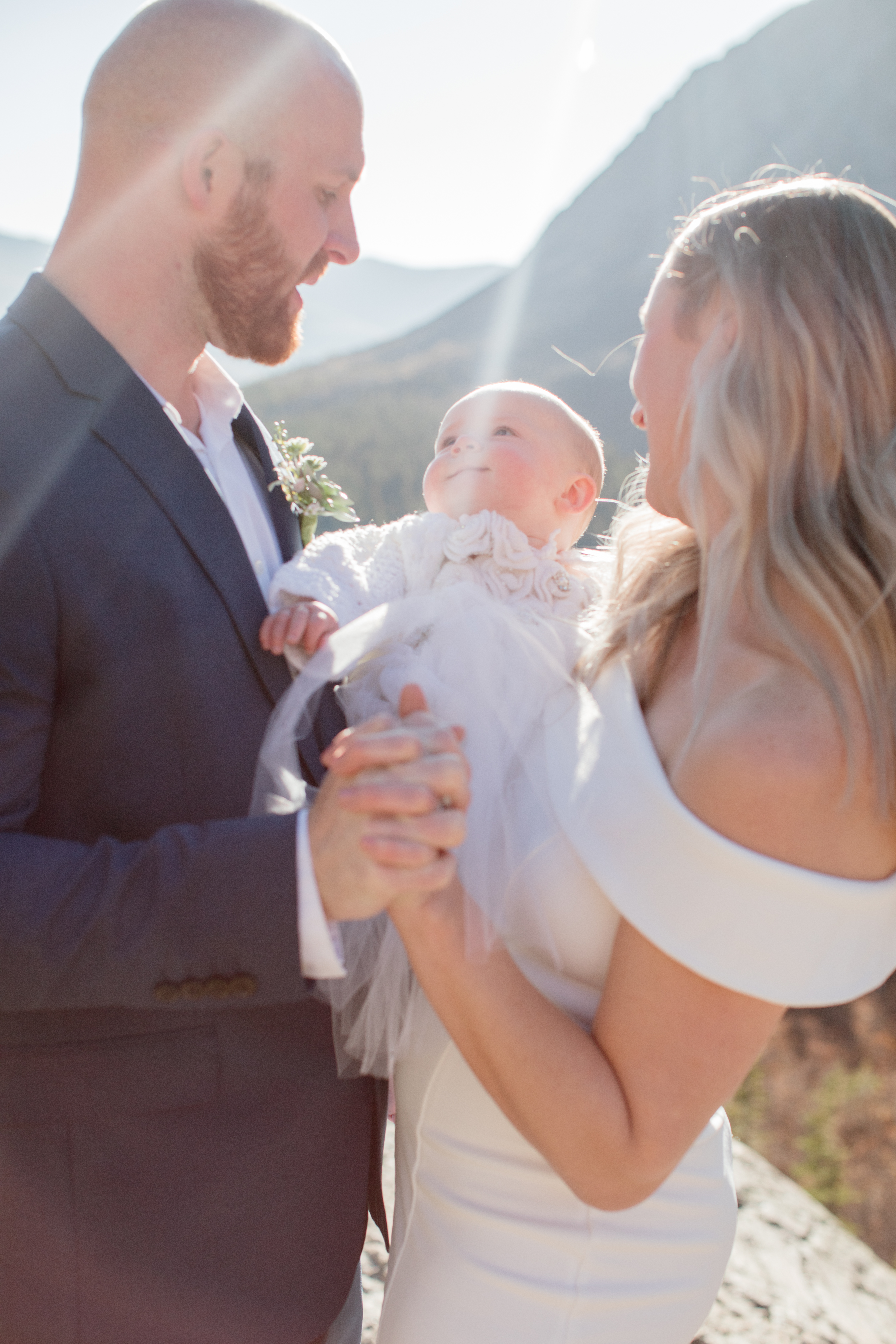 Blue-Lakes-Breckenridge-VRBO-Elopement-First-Dance-with-First-Born