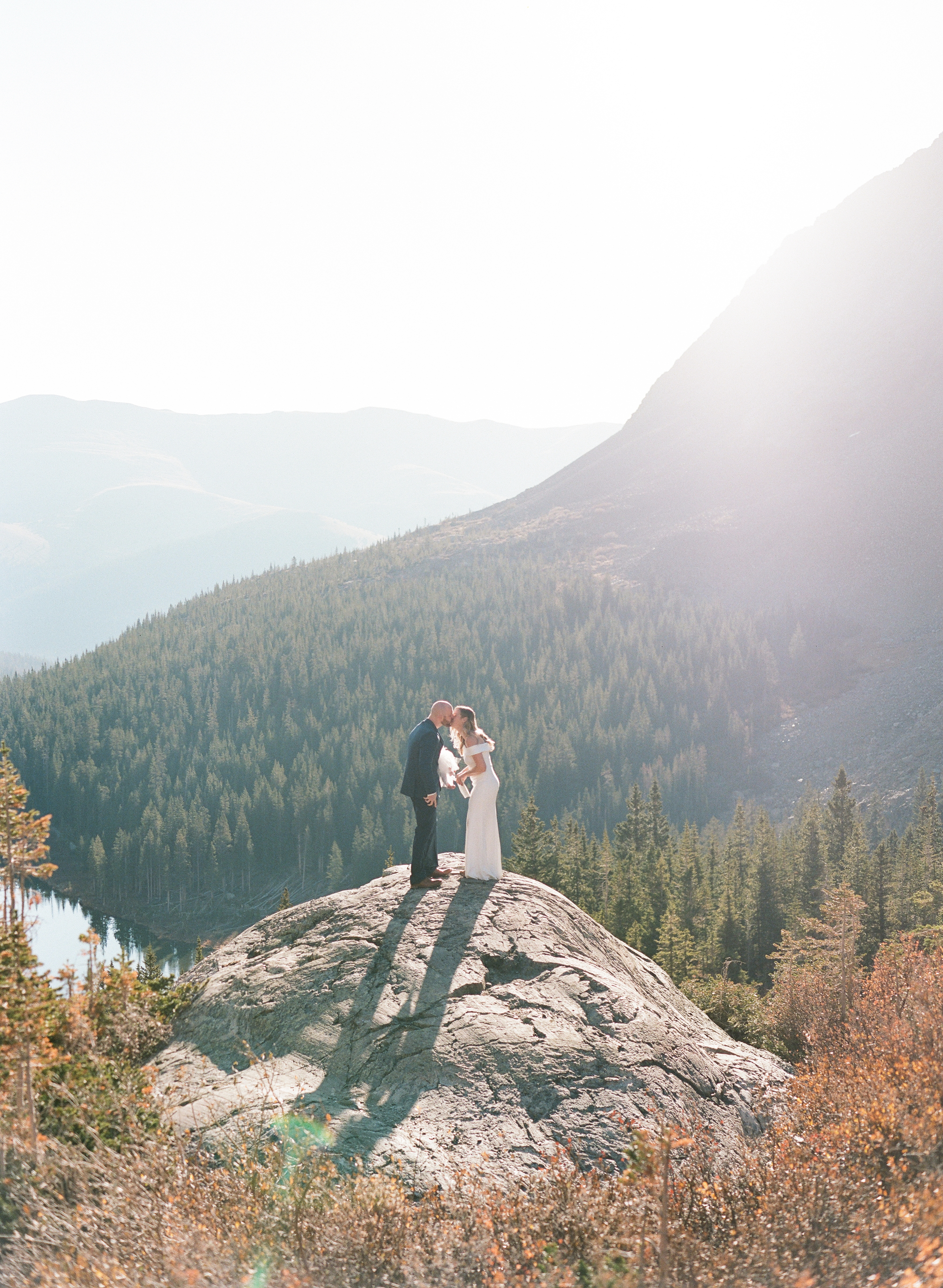 Blue-Lakes-Breckenridge-VRBO-Elopement-Wedding-in-the-Summer-First-Kiss