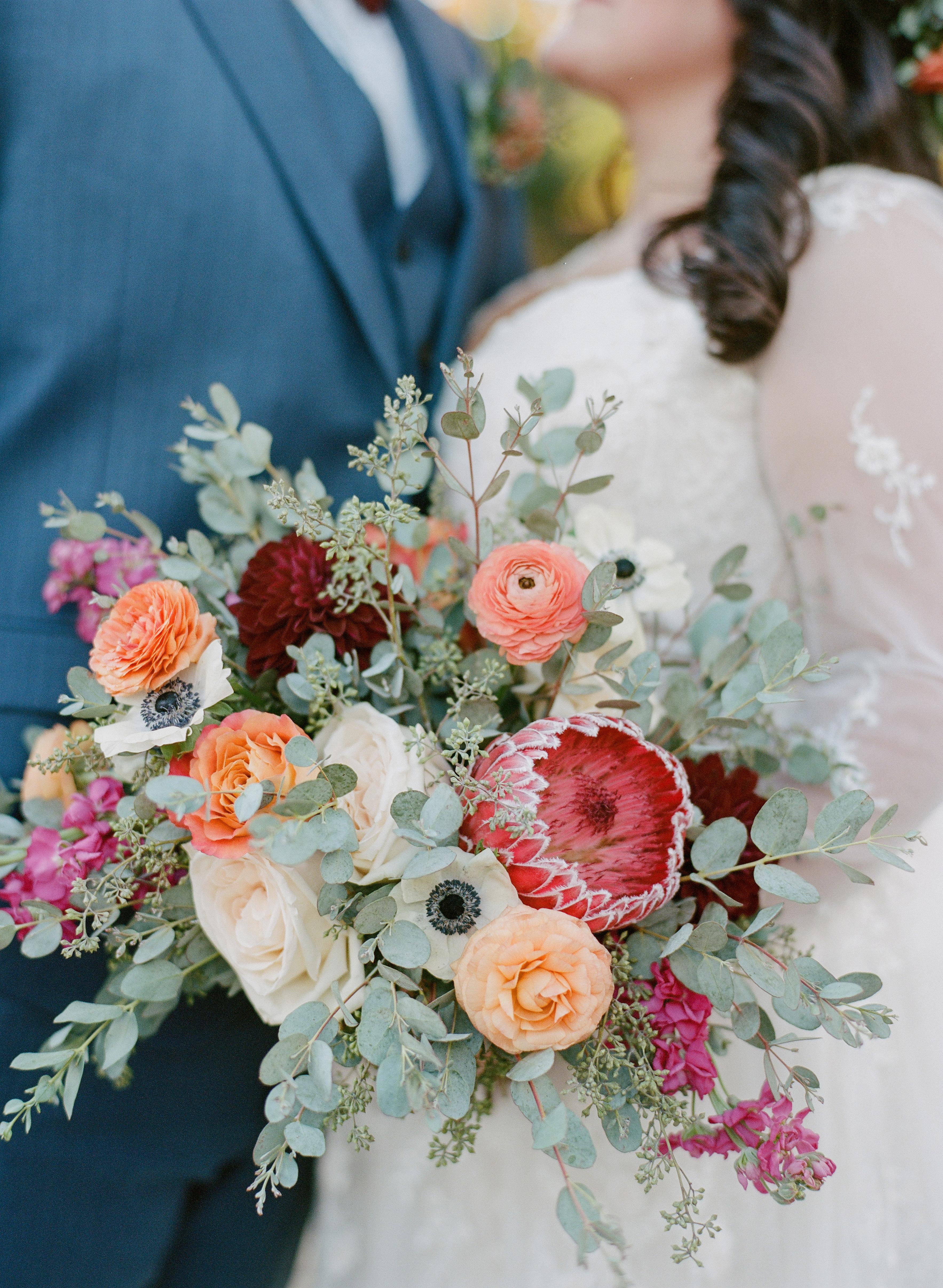 Private-Home-Rental-Wedding-VRBO-Fall-Breckenridge-Colorado-Bride-Bouquet-Details