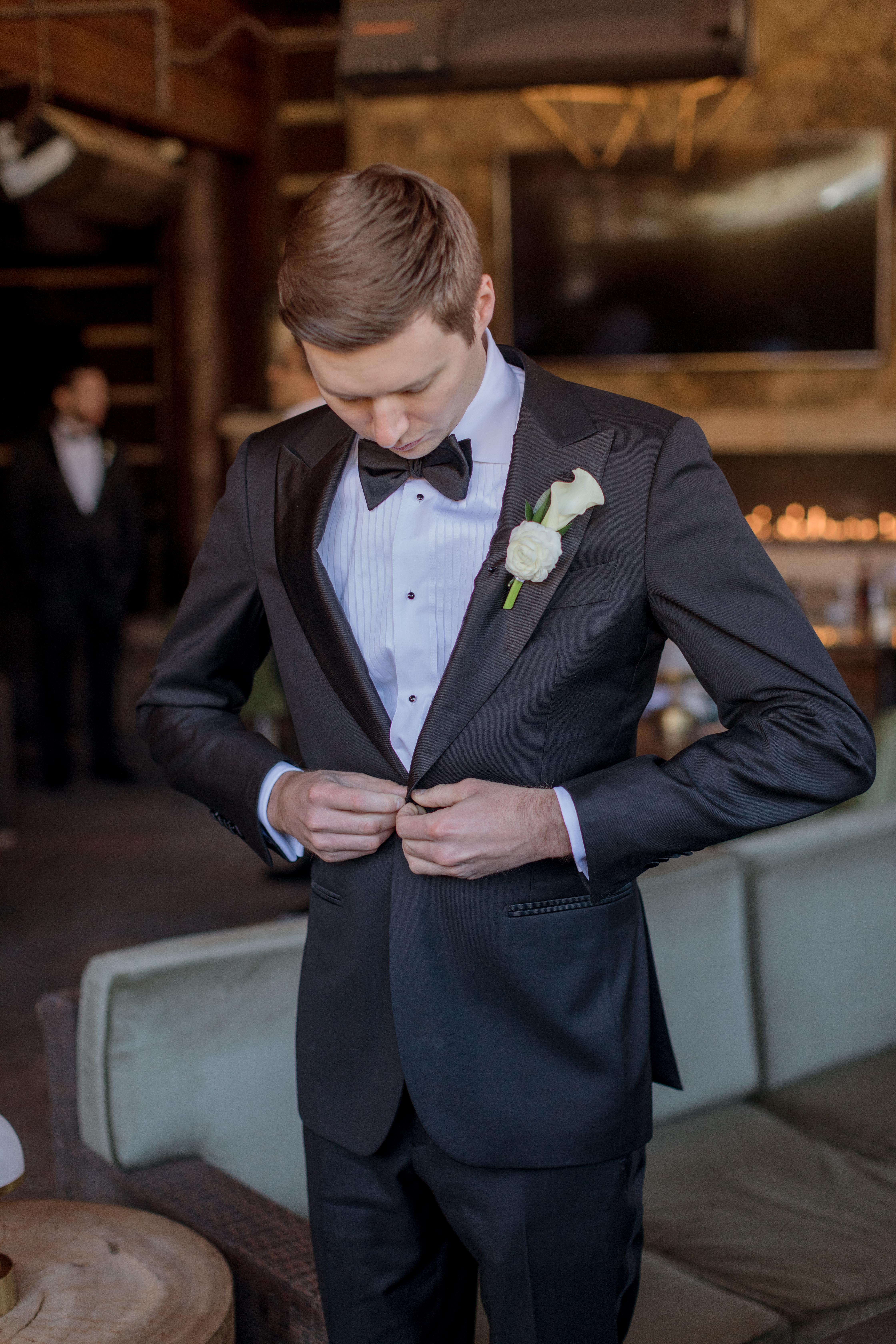 Ritz-Carlton-Bachelor-Gulch-Beaver-Creek-Colorado-Fall-Wedding-Groom-Getting-Ready