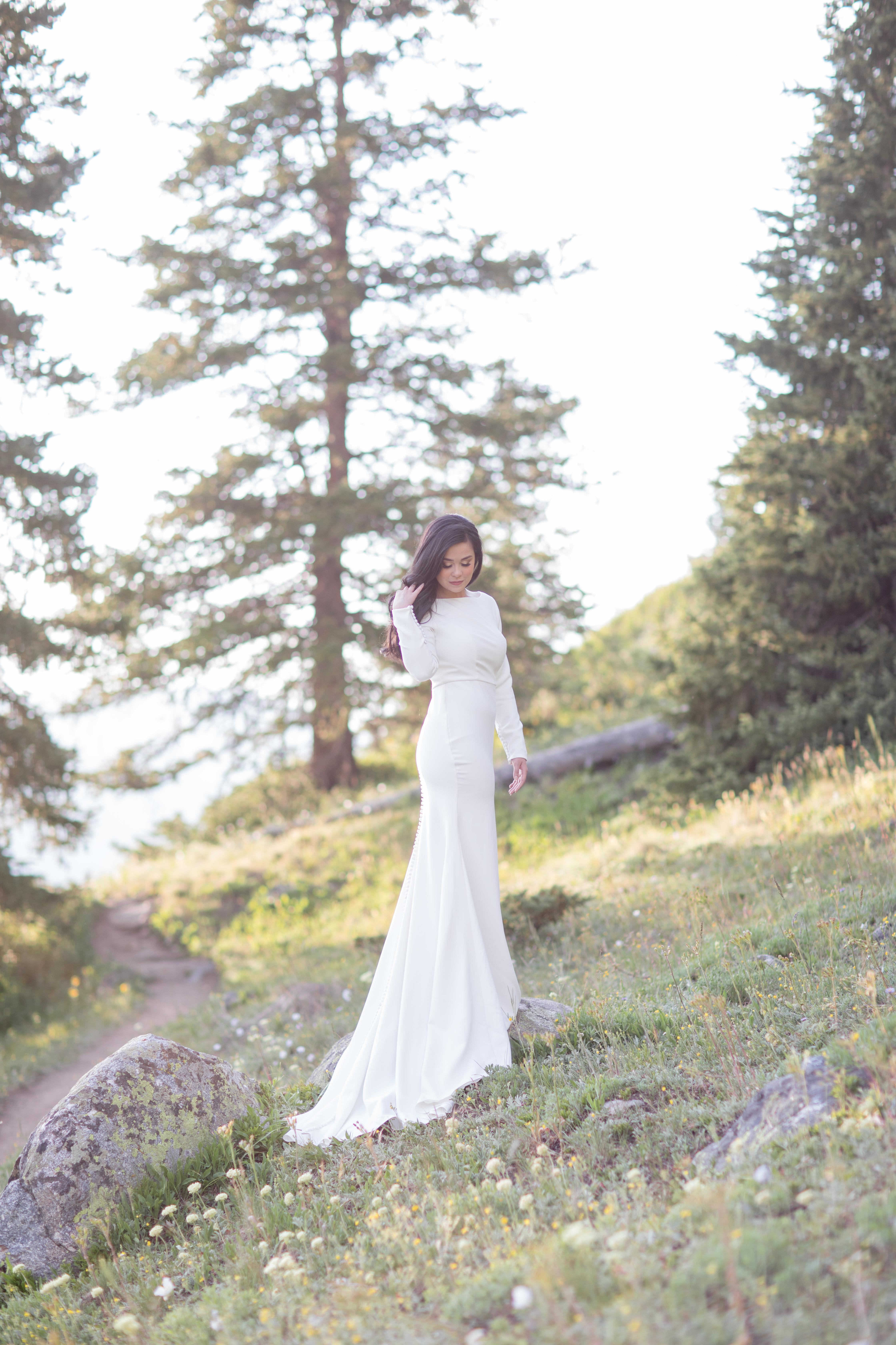 Clinton-Gulch-Reservoir-Copper-Mountain-Wedding-Elopement-Bride