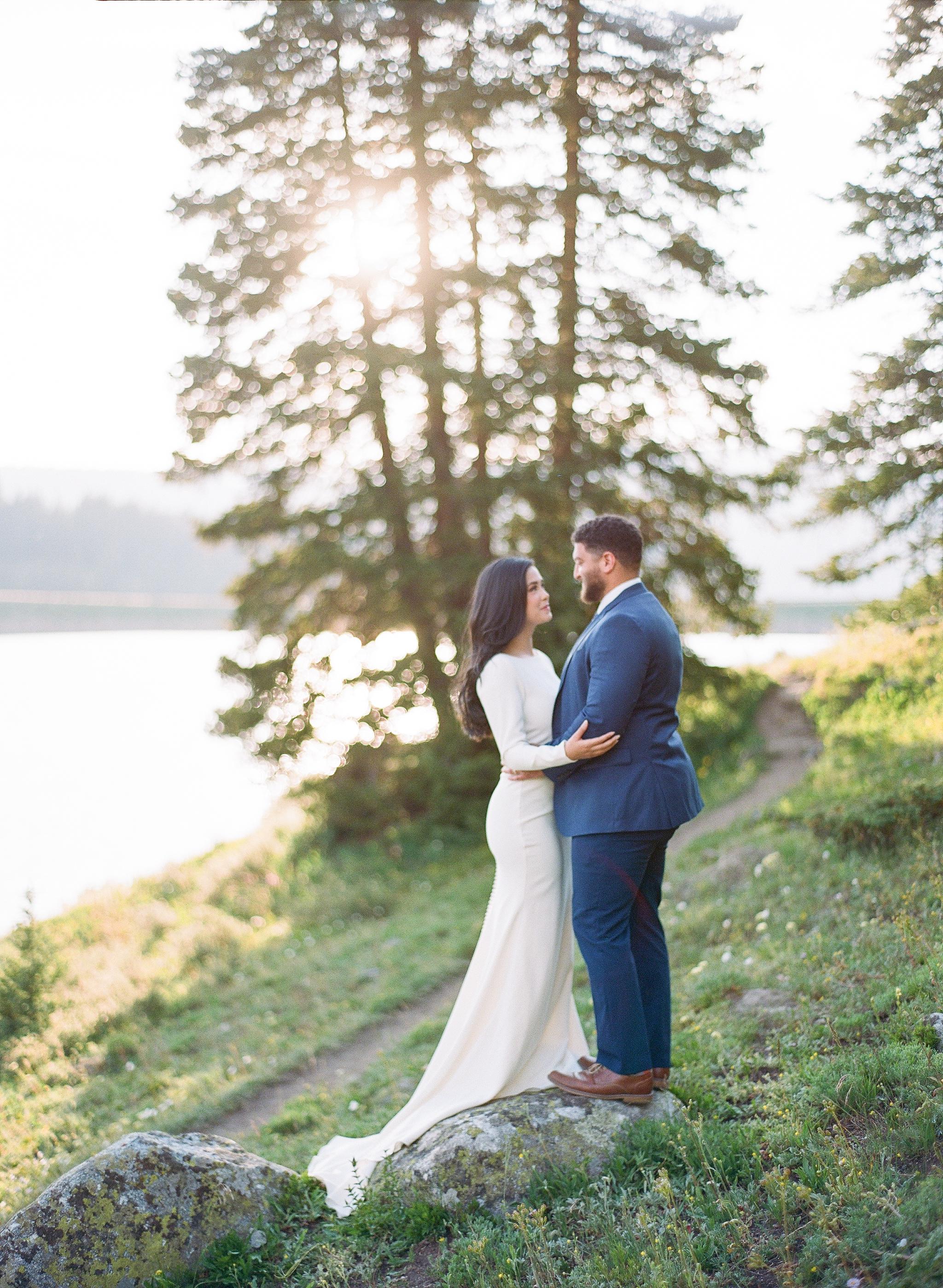Clinton-Gulch-Reservoir-Copper-Mountain-Wedding-Elopement-Bride-and-Groom
