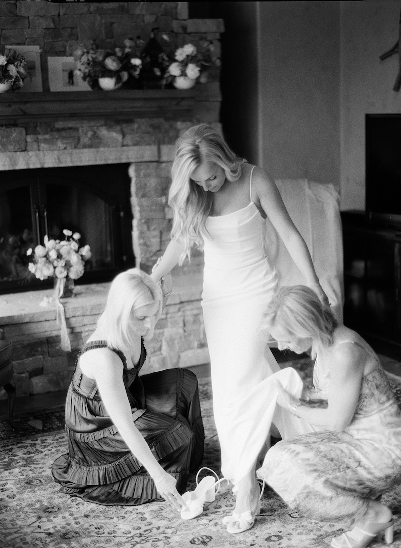 The-10th-Vail-Colorado-Wedding-Manor-Vail-Sydney-and-Jake-Getting-Ready-Girls-80